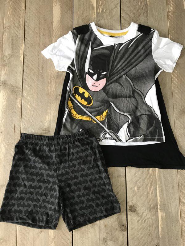 Shortama van Batman, met cape, cape kan eraf. Slapen in een Batman pyjama